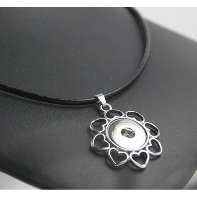 Crystal Snap Necklace on Leather - Hearts Flower